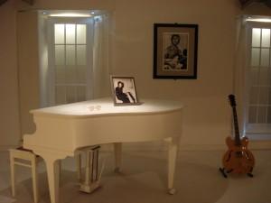 Steinway Piano Belonging To John Lennon