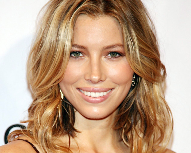 Jessica Biel is one of the 10 Sexy Celebrities Who Love Soccer